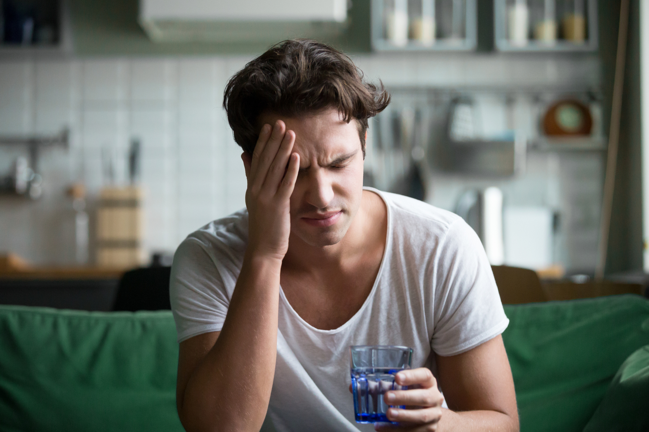 Combater a ressaca pós Carnaval é fundamental paraconseguir retornar à rotina normalmente. Para isso, hidratação e alimentação adequadas ajudam a amenizar as dores de cabeça depois da folia.