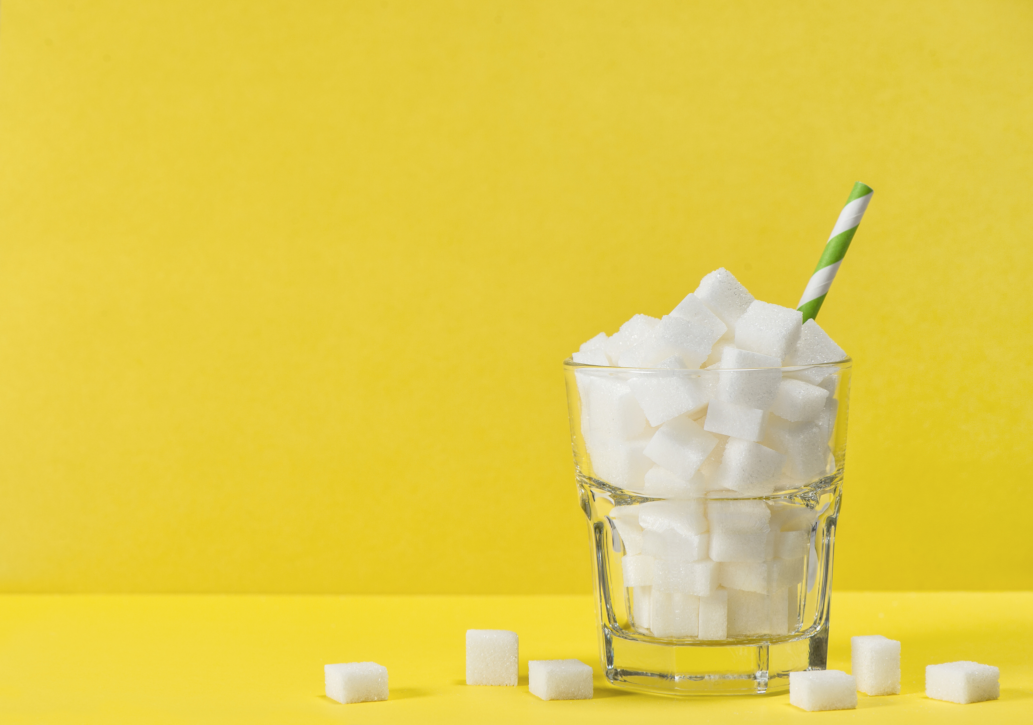 As crianças adoram doces, porém, a quantidade de açúcar presente neles, se ingeridas em grandes quantidades, podem gerar problemas sérios para a saúde.