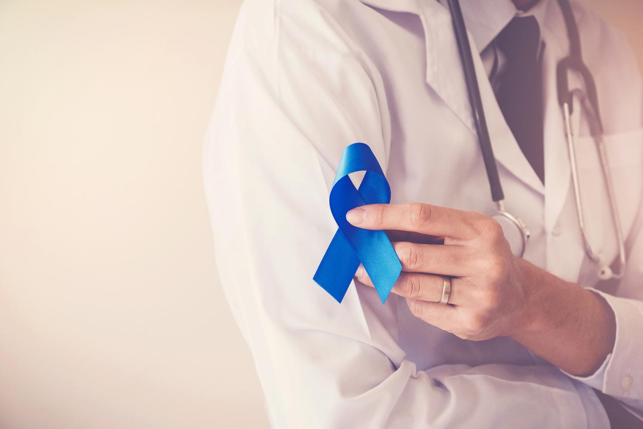 Este mês é conhecido como Novembro Azul, um período de campanhas de conscientização sobre o câncer de próstata. De acordo com o INCA, em 2018, foram estimados mais de 68 mil novos casos de câncer de próstata no Brasil.